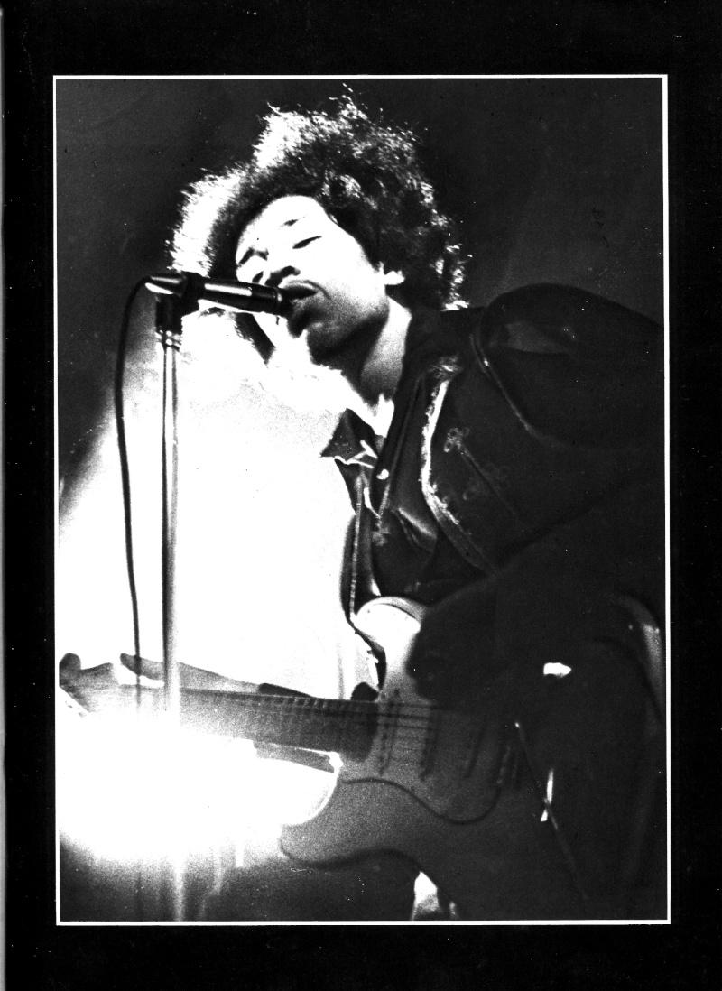Jimi Hendrix dans la presse musicale française des années 60, 70 & 80 - Page 3 Extra_16