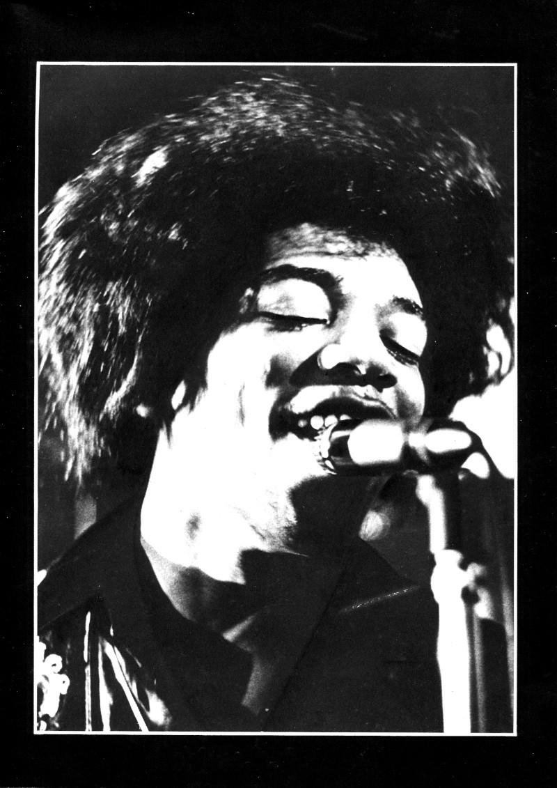 Jimi Hendrix dans la presse musicale française des années 60, 70 & 80 - Page 2 Extra_22
