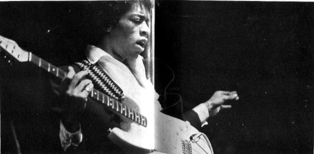 Jimi Hendrix dans la presse musicale française des années 60, 70 & 80 - Page 4 Rnf_7317