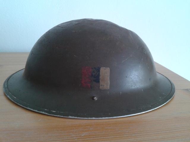 WW II Canadian Helmets - Page 2 2012-010