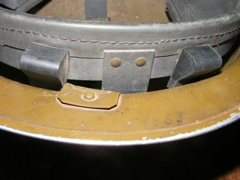 WW II Canadian Helmets - Page 2 Helmet13