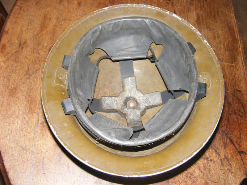 WW II Canadian Helmets - Page 2 Helmet14