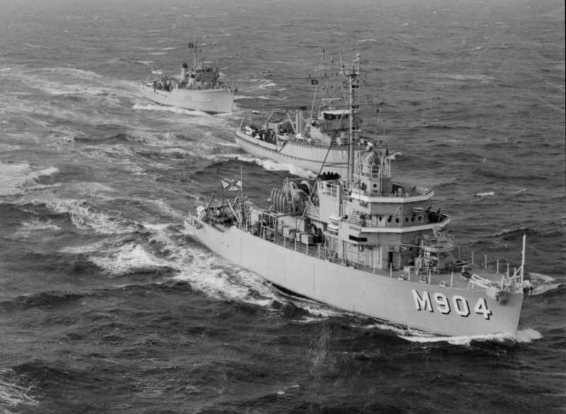 M/F 904 Debrouwer (ex HMS Spanker) - Page 3 M904_d10