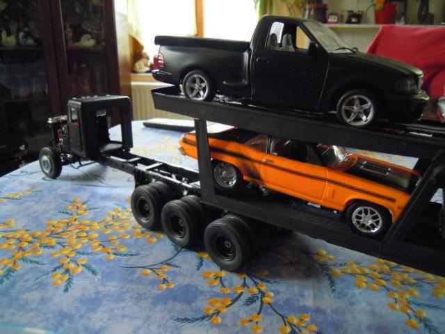 péterbilte alaskan hauler et son plateau porte voiture Dscn1926
