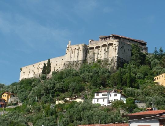 Tutti i Castelli e le Rocche d' Europa Img1_410