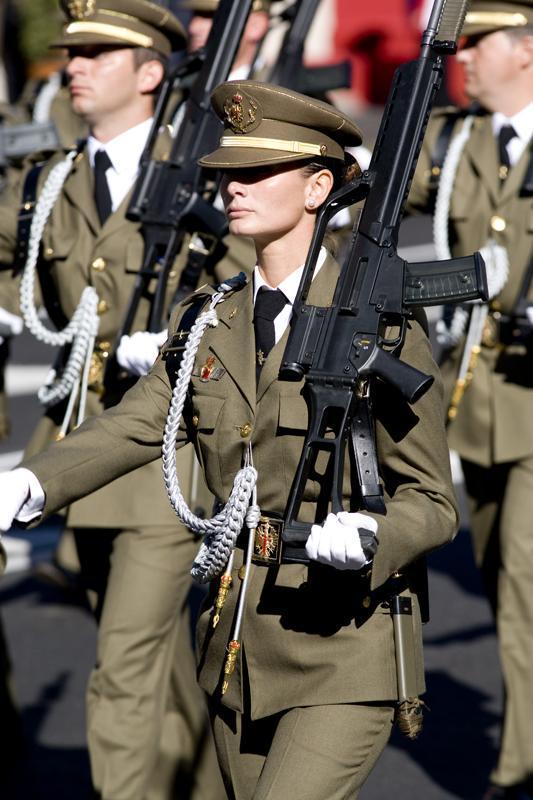 Armée Espagnole/Fuerzas Armadas Españolas - Page 16 Soldad11