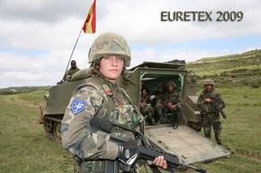 Armée Espagnole/Fuerzas Armadas Españolas - Page 16 Zzeuro10