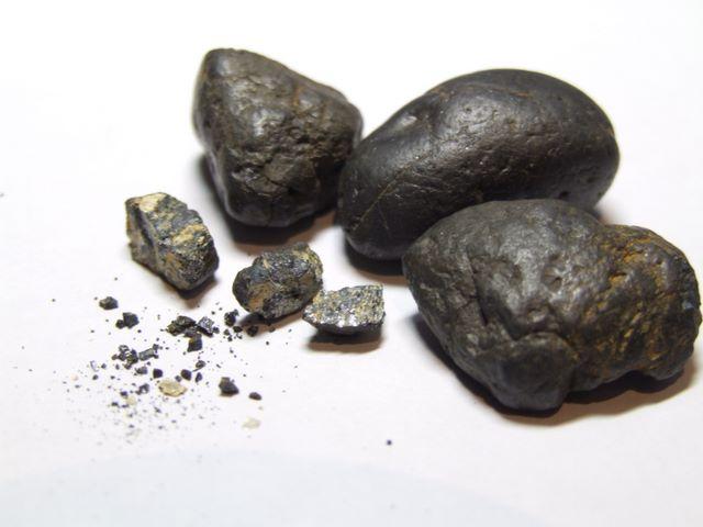 Images de minerais naturels bruts divers Coltan11