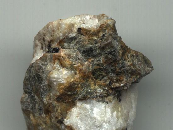 Images de minerais naturels bruts divers Gold10