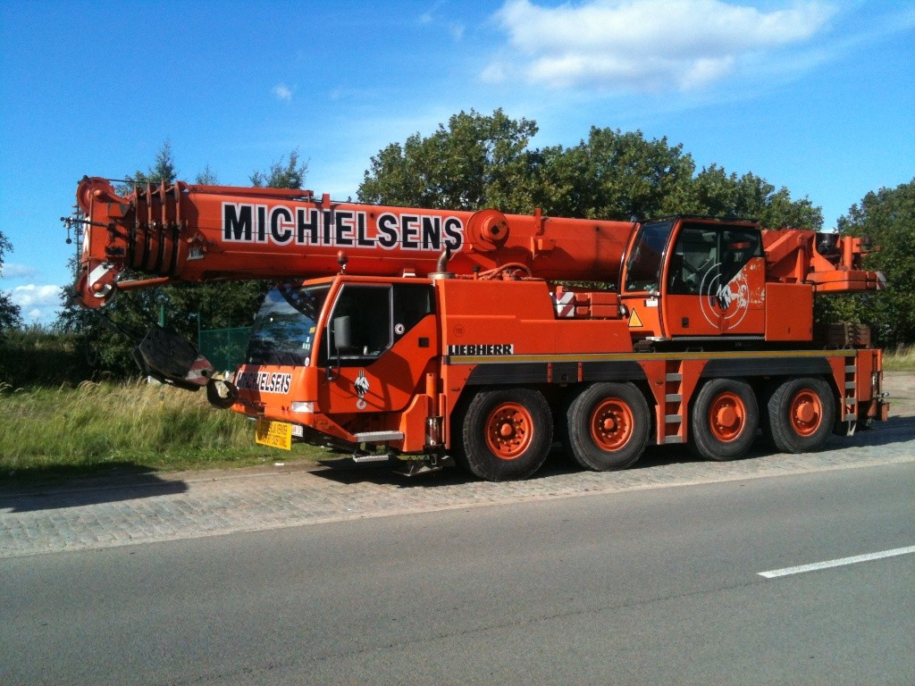 Les grues de MICHIELSENS (Groupe MICHIELSENS) (Belgique) - Page 4 Img_3621