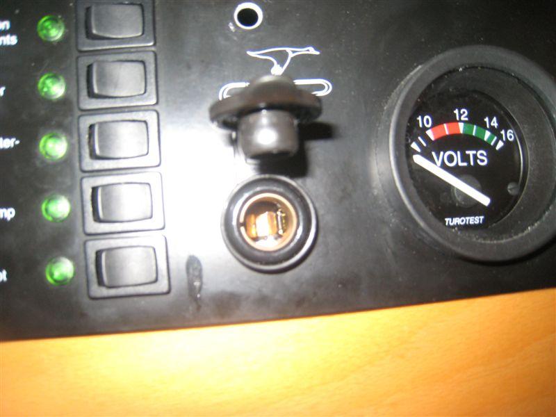tableau électrique Philippi Etap 26i prise 12V Img_1512