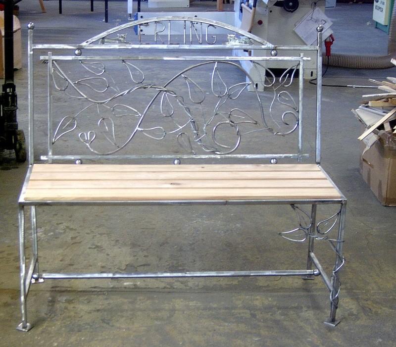 Weitere selbst gebaute Metallobjekte Garten12