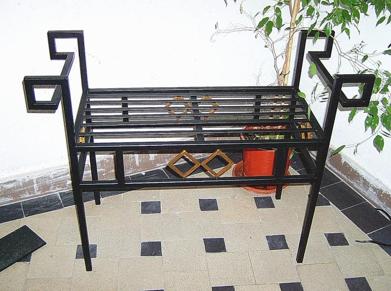 Weitere selbst gebaute Metallobjekte Hocker10