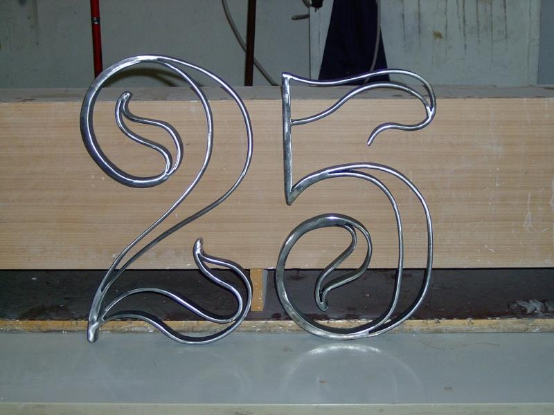 Weitere selbst gebaute Metallobjekte Zahlen10