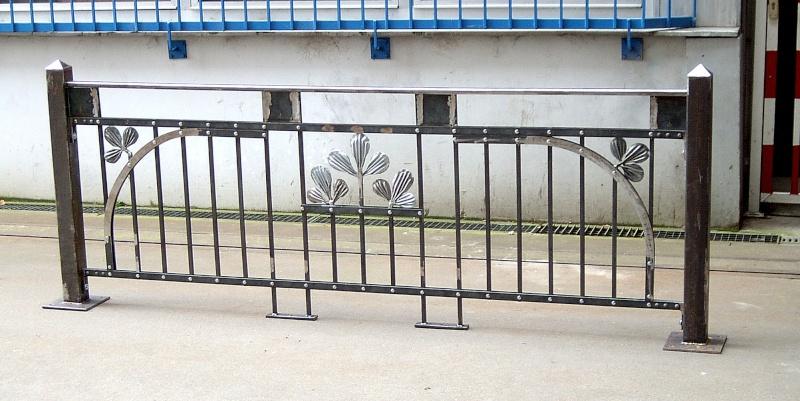 Weitere selbst gebaute Metallobjekte Zaun10