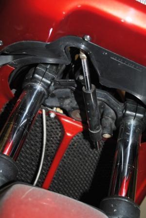 Steering stabilizer - functional or ??? Steeri13