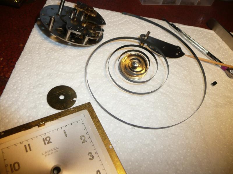 Tech : comment rembobiner un ressort /petit réveil ? P1150311