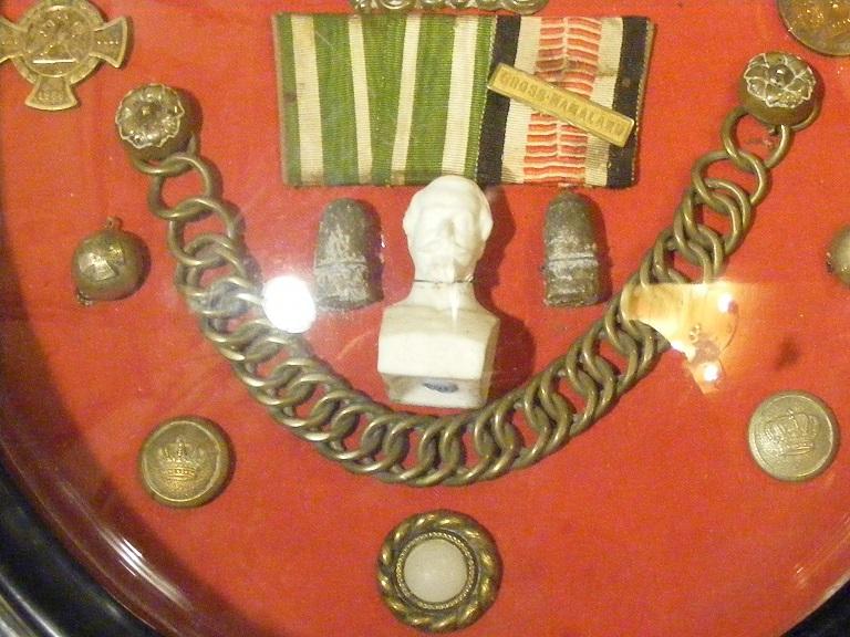 Les objets souvenirs de 1870 Dscf9379