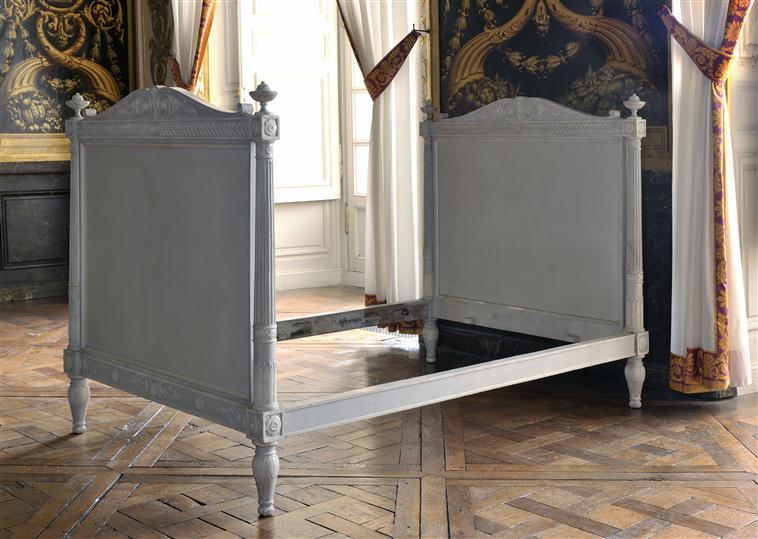 Chambre à coucher du Petit appartement de Marie-Antoinette, au rez-de-chaussée du château de Versailles 11-55311