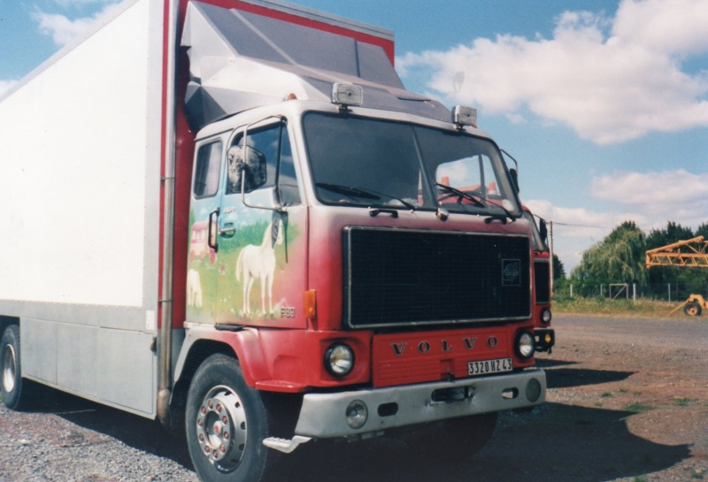 Les Camions des forains - Page 2 Img01211