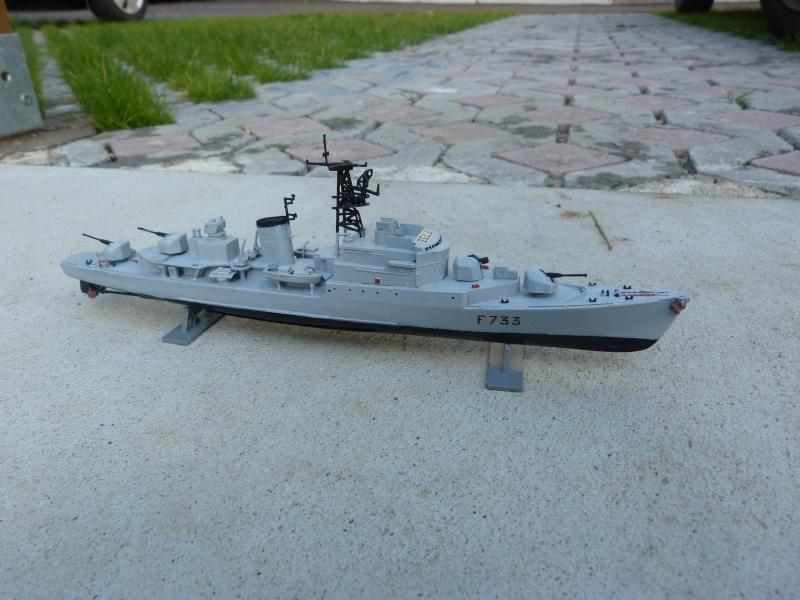 """Aviso Escorteur """"Commandant Rivière"""" Heller, 1/400 P1020111"""