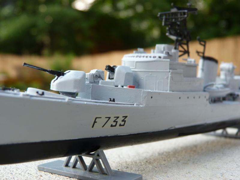 """Aviso Escorteur """"Commandant Rivière"""" Heller, 1/400 P1020112"""