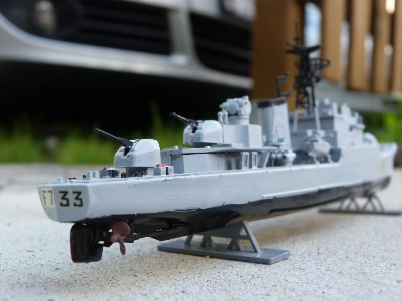 """Aviso Escorteur """"Commandant Rivière"""" Heller, 1/400 P1020113"""