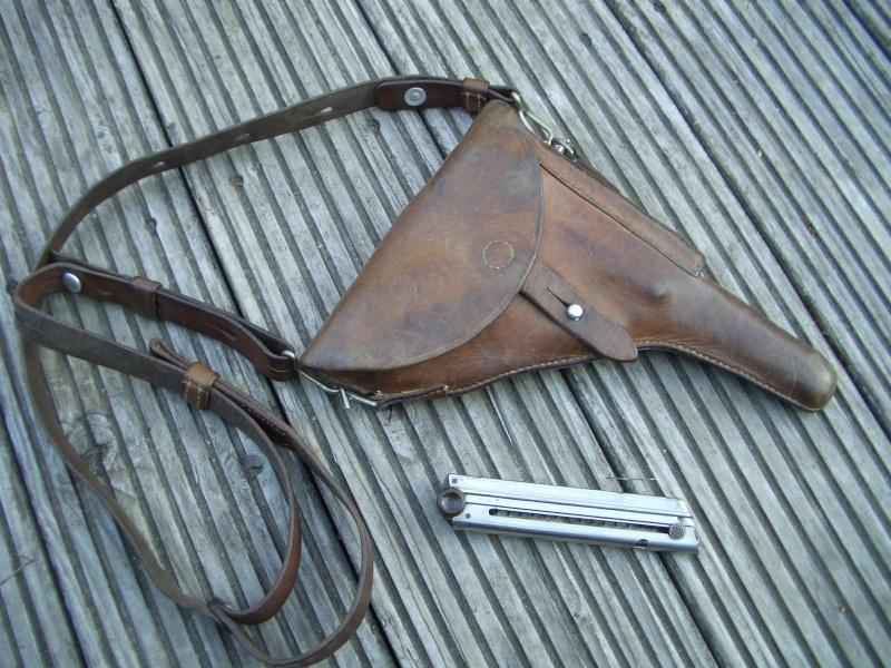 Les étuis et accessoires des Luger suisses de 1925 à 1949 Cimg7812
