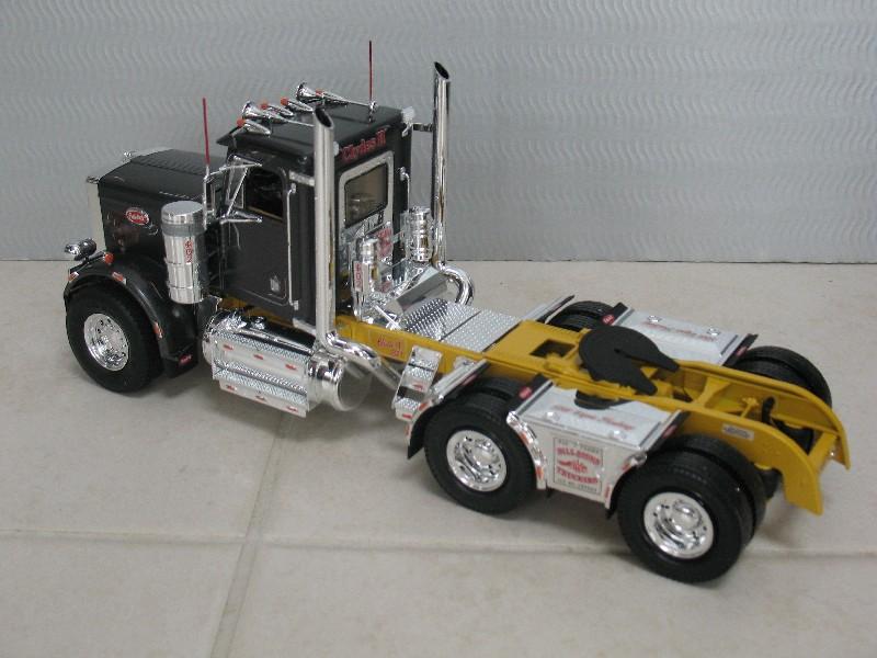 "Truck ""Bill Signs Trucking"" von Revell. Bill_s11"