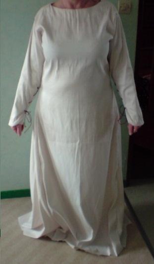 Mon costume d'inspiration médiévale Devant11