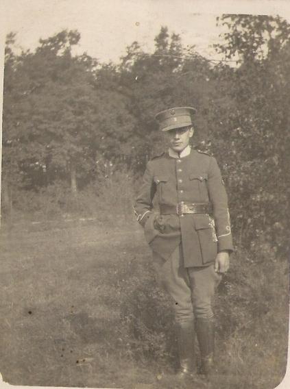 Demande d'identifaction d'uniforme, probablement belge Unifor10