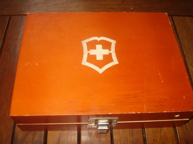 Boites et rangements pour couteaux Suisse Boite110