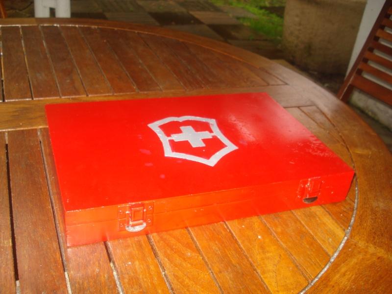 Boites et rangements pour couteaux Suisse Boite210