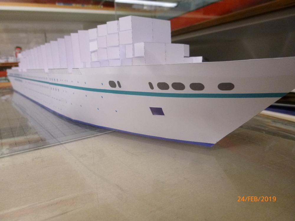 MS Amadea (ZDF Traumschiff) VK Design 1:250 Probebau von Millpet P1100618