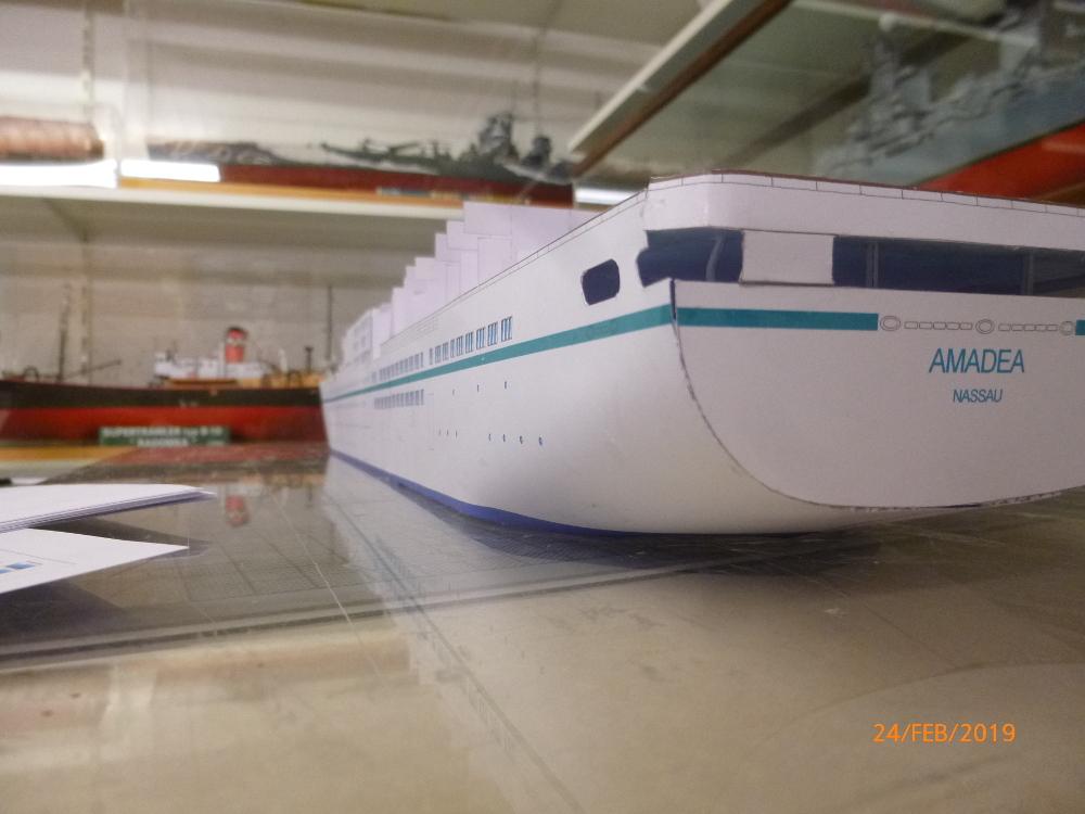 MS Amadea (ZDF Traumschiff) VK Design 1:250 Probebau von Millpet P1100619