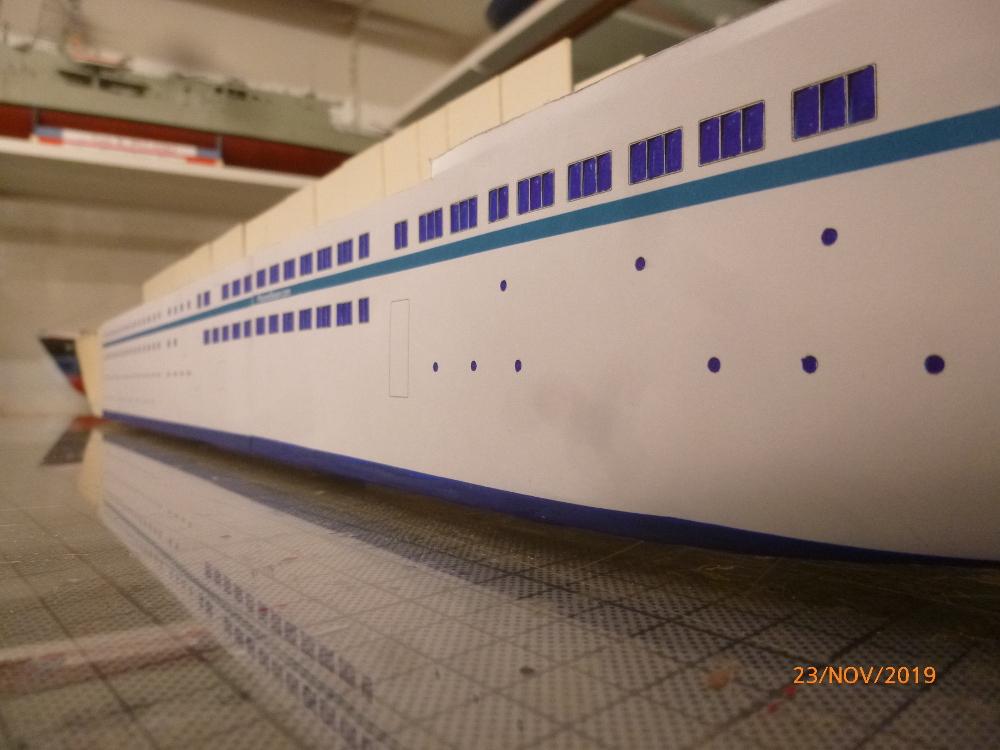 ZDF-Traumschiff MS Amadea 1:200 VK Design gebaut von Millpet - Seite 2 P1110268