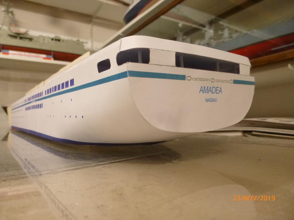 ZDF-Traumschiff MS Amadea 1:200 VK Design gebaut von Millpet - Seite 2 P1110269