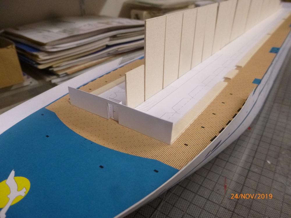 ZDF-Traumschiff MS Amadea 1:200 VK Design gebaut von Millpet - Seite 2 P1110271