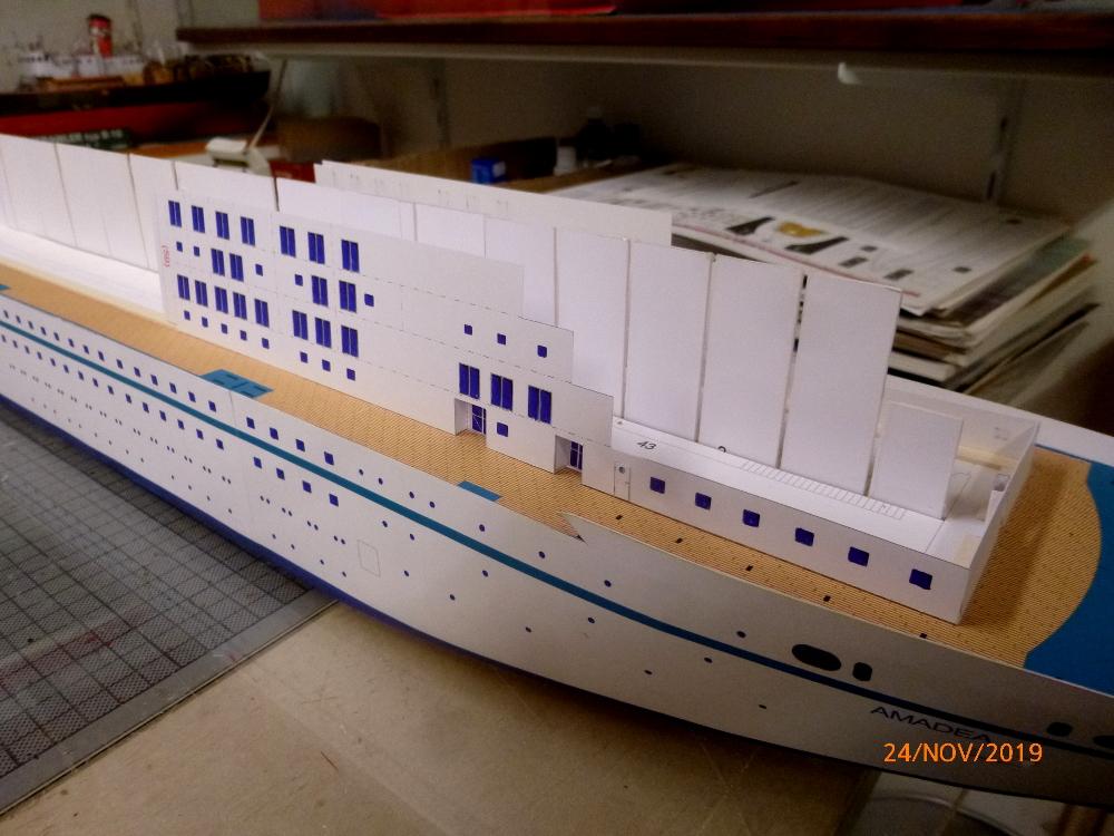 ZDF-Traumschiff MS Amadea 1:200 VK Design gebaut von Millpet - Seite 2 P1110275