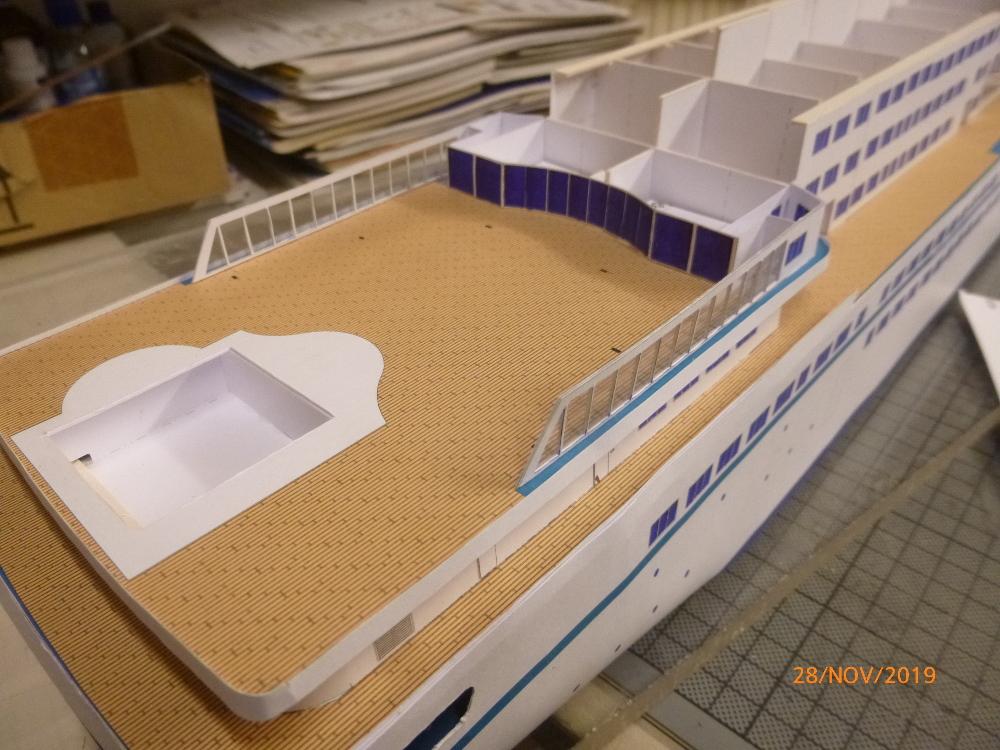 ZDF-Traumschiff MS Amadea 1:200 VK Design gebaut von Millpet - Seite 2 P1110285
