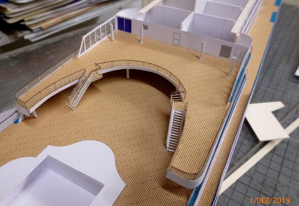 ZDF-Traumschiff MS Amadea 1:200 VK Design gebaut von Millpet - Seite 2 P1110286