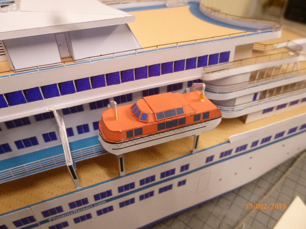 ZDF-Traumschiff MS Amadea 1:200 VK Design gebaut von Millpet - Seite 4 P1110327