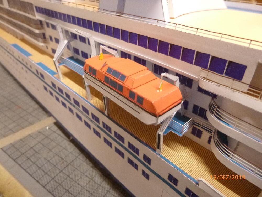 ZDF-Traumschiff MS Amadea 1:200 VK Design gebaut von Millpet - Seite 4 P1110328