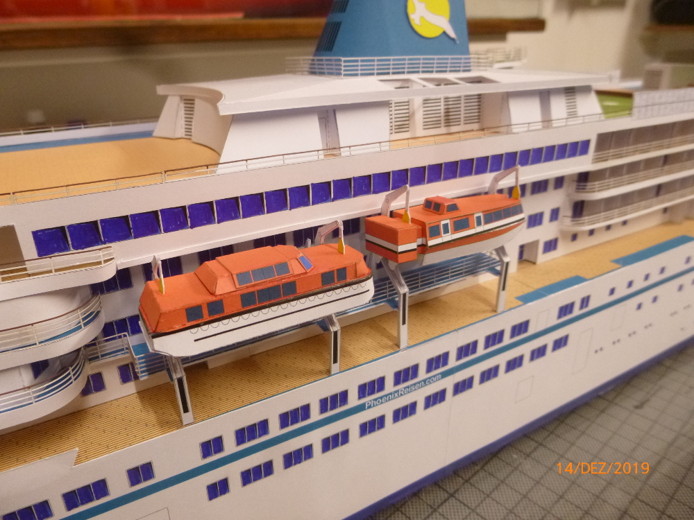 ZDF-Traumschiff MS Amadea 1:200 VK Design gebaut von Millpet - Seite 4 P1110330