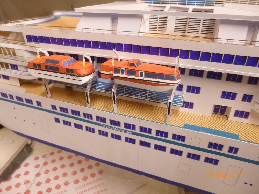 ZDF-Traumschiff MS Amadea 1:200 VK Design gebaut von Millpet - Seite 4 P1110331