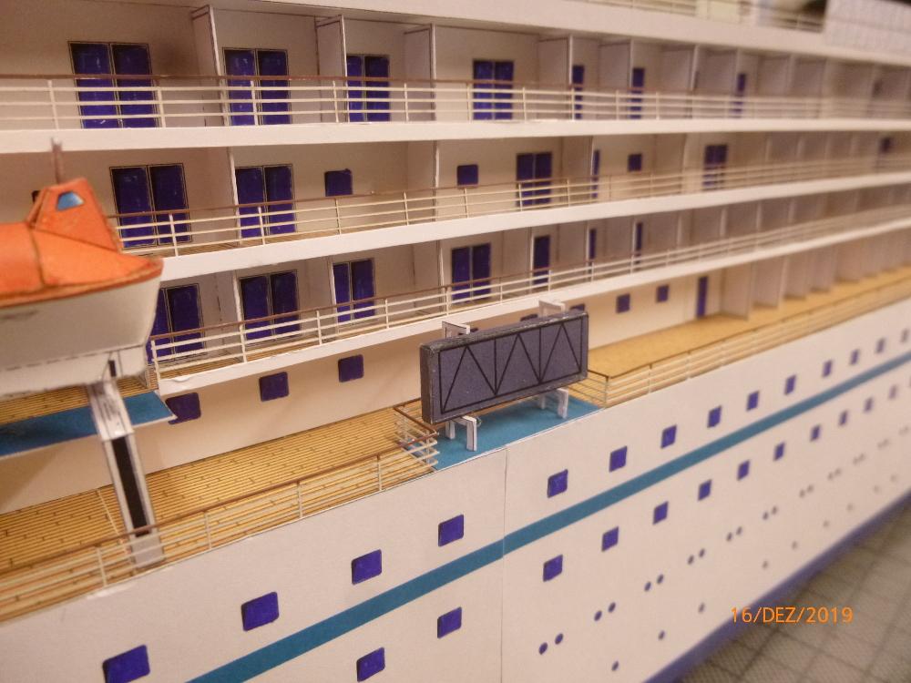 ZDF-Traumschiff MS Amadea 1:200 VK Design gebaut von Millpet - Seite 4 P1110332