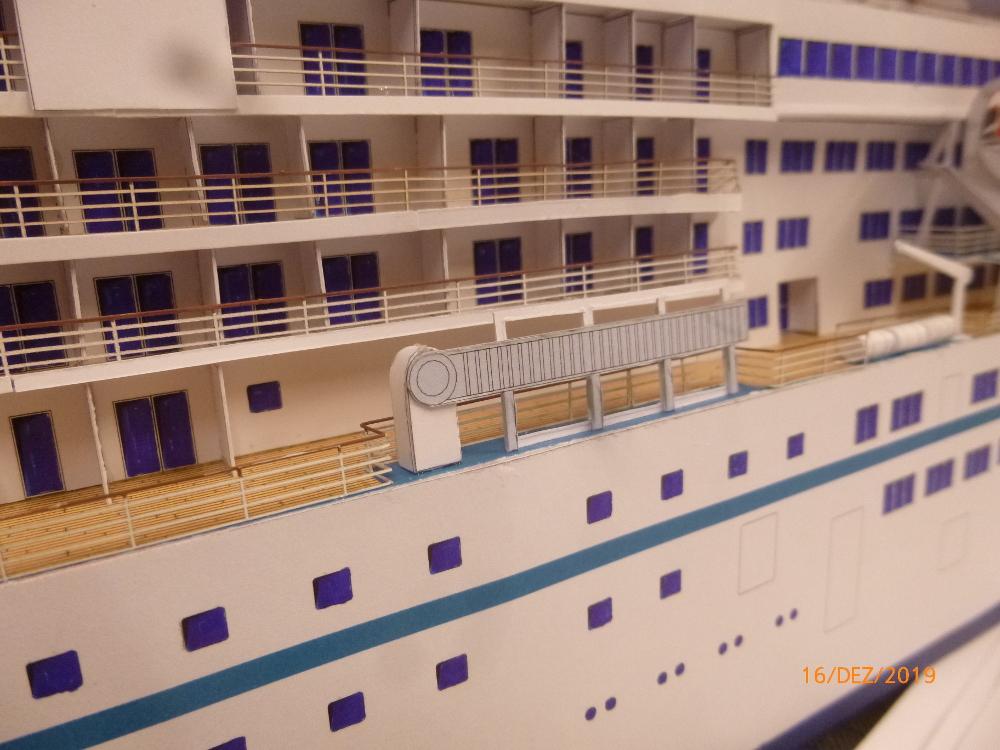 ZDF-Traumschiff MS Amadea 1:200 VK Design gebaut von Millpet - Seite 4 P1110333