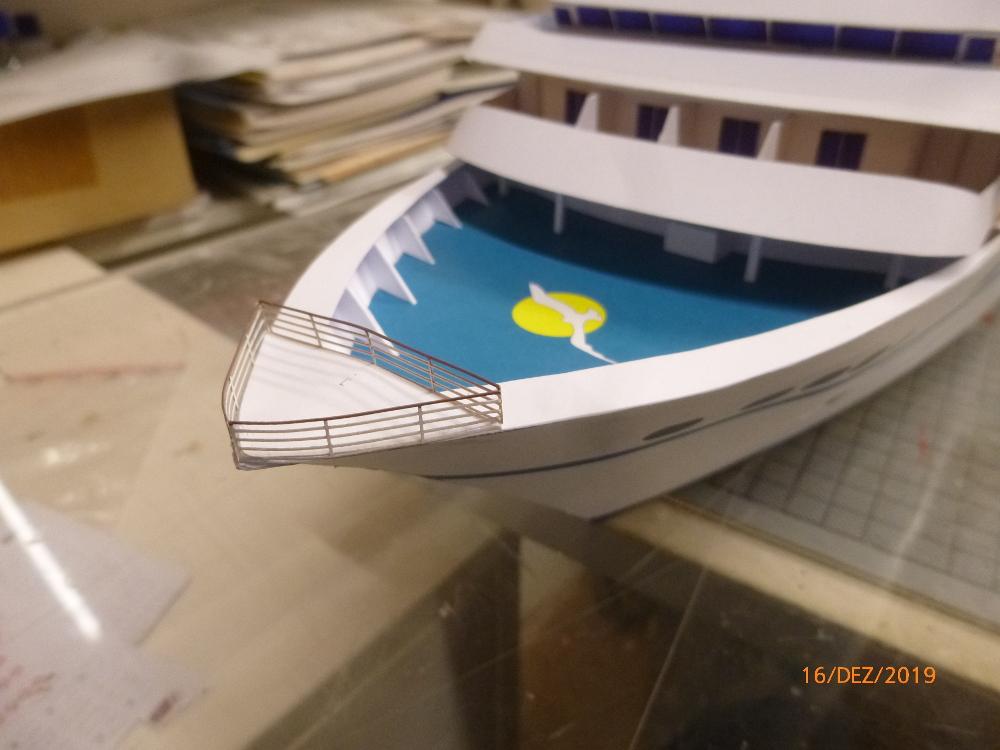 ZDF-Traumschiff MS Amadea 1:200 VK Design gebaut von Millpet - Seite 4 P1110334