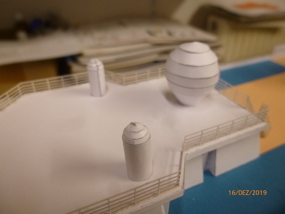ZDF-Traumschiff MS Amadea 1:200 VK Design gebaut von Millpet - Seite 4 P1110335
