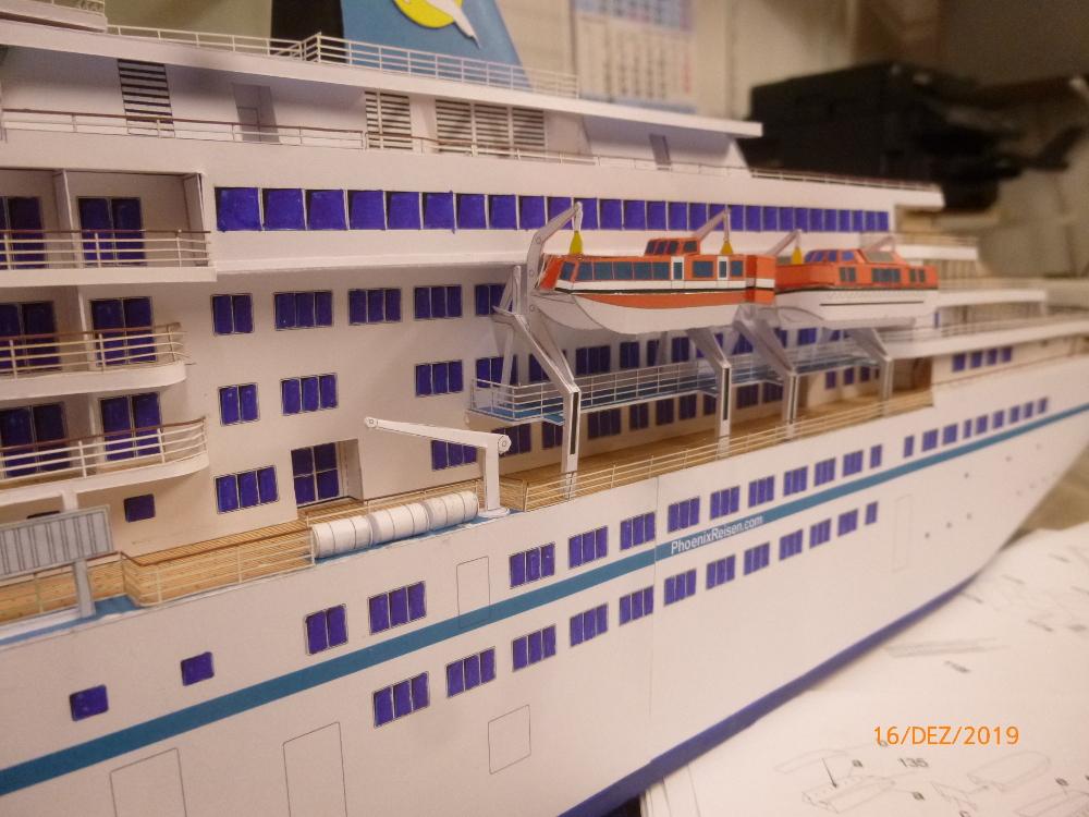 ZDF-Traumschiff MS Amadea 1:200 VK Design gebaut von Millpet - Seite 4 P1110337